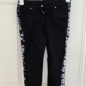 Black skinny jeans with print on sides
